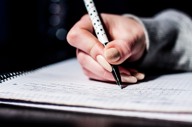 9 Reasons Why HandWriting Benefits Our Brains