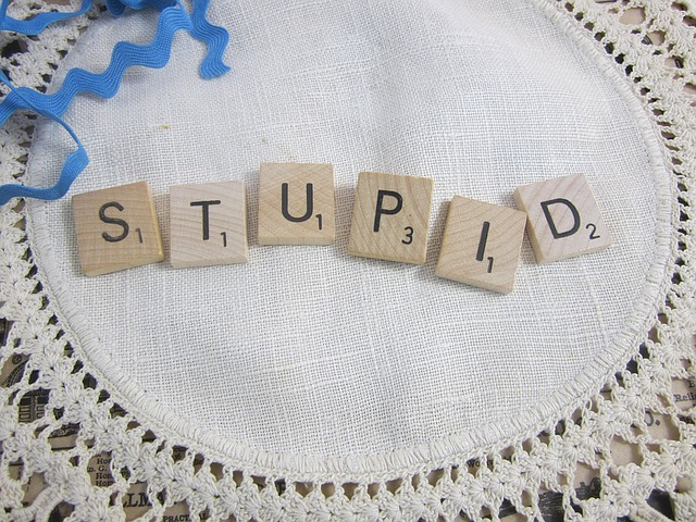 10 Phrases For Calling Someone Stupid In English
